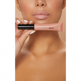 Lip Paint Infaillible Mat - 208 Off White bouche