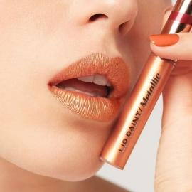 Encre à lèvres Metallic - 306 Lolita portée