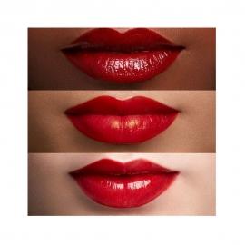 Rouge à lèvres Color Riche Shine - 352 Beautyguru porté