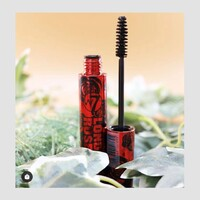 [IL FAIT LE BUZZ!] Amplifiez et sublimez vos cils avec le mascara London Rose de W7 ! Le mascara London Rose saura sublimer rapidement votre regard, en seulement quelques coups de pinceau !  La formule parfumée à la rose donne aux cils un revêtement noir audacieux parfait pour un regard de folie 😍🌹  Alors, qui veut des yeux de biche ?   ✨À retrouver en magasin et sur notre site web www.sagacosmetics.com ❤️  #mascara #eyes #eyesmakeup #regard #makeuplook #beauty #beautylook #instabeauty #sagacosmetics